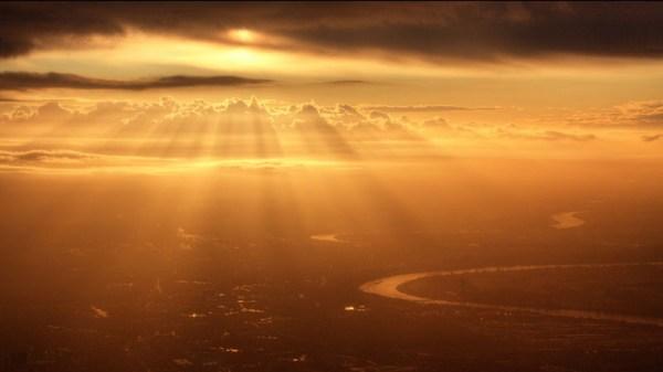 sunrise-from-an-airplane-window