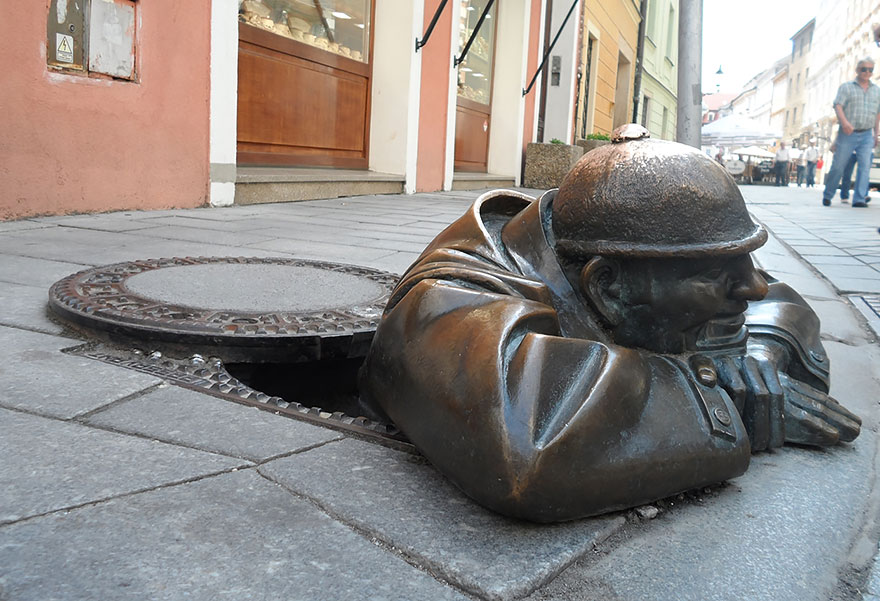 worlds-most-creative-statues-133
