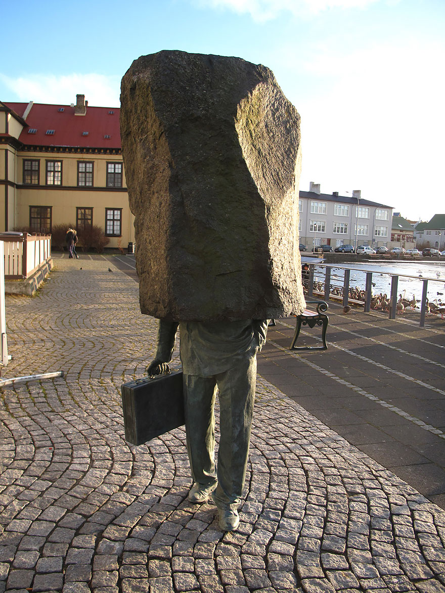 worlds-most-creative-statues-35
