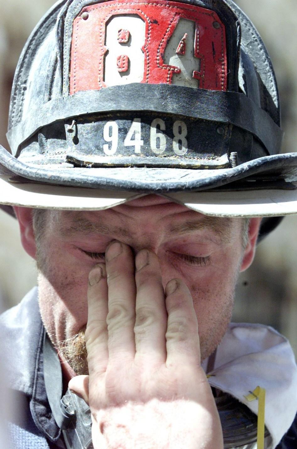 b-9-11-firefighters-920-24