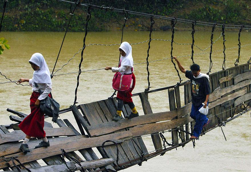 children-going-to-school-around-the-world-49