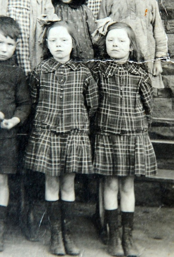 The twins when they were 7